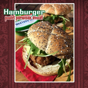 Hamburger poulet parmesan avocat
